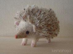 Hedgehog シナモンカラーのハリネズミ