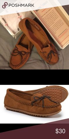 NEW Women's Minnetonka Suede Skimmer Moccasin NEW Minnetonka Moccasin - Women's Brown Suede Skimmer - Style 342 - never worn - Size 10 Minnetonka Shoes Moccasins