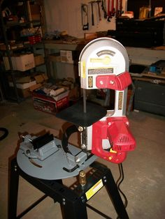 A simple stand for the Harbor Freight portable bandsaw ...