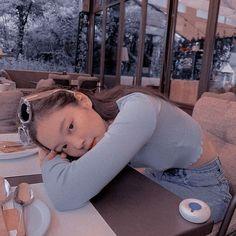 jennie jendeuk jedeukie jen solo kim jennie aesthetics aesthetic cute soft pastel blackpink black pink yg gg kpop korean korea 블랙핑� r o s i e Blackpink Jennie, Blue Aesthetic, Kpop Aesthetic, Blackpink Photos, Wattpad, K Idol, Tumblr Girls, Ulzzang Girl, Aesthetic Pictures