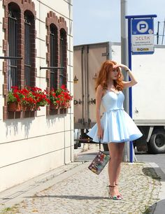 "❤️ Redhead beauty❤️ Elçin Sangu in ""Kiralık Aşk"", 2015 Turkish Beauty, Turkish Fashion, Redhead Girl, Brunette Girl, Danielle Victoria, I Love Redheads, Elcin Sangu, Nurse Costume, La Girl"