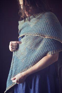 Ravelry: Project Gallery for Zelda Shawl pattern by Libby Jonson