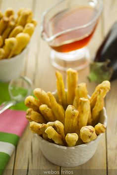 Ideas para Navidad. Receta de palitos de berenjena con miel  #Cantabria #Spain Veggie Recipes, Vegetarian Recipes, Cooking Recipes, Healthy Recipes, Tempura, Veggie World, Veggie Main Dishes, Cocina Natural, Going Vegetarian