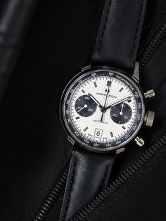 The Hamilton Intra-Matic Auto Chrono is a modern reworking of a 1968 signature piece that offers a sporty but classic look. Combining authentic 60s appeal with the exclusive H-31 automatic movement, its distinctive panda dial is a guaranteed eye-catcher.