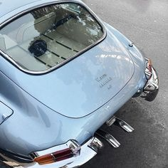 Light Blue Aesthetic, Blue Aesthetic Pastel, Aesthetic Colors, Pretty Cars, Cute Cars, Images Vintage, Vintage Cars, Image Bleu, Photo Bleu