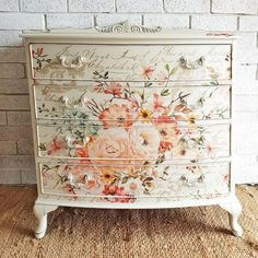 Love the use of the Prima transfers on this freestanding je Decoupage Furniture, Diy Pallet Furniture, Hand Painted Furniture, Refurbished Furniture, Paint Furniture, Repurposed Furniture, Furniture Projects, Furniture Makeover, Floral Furniture