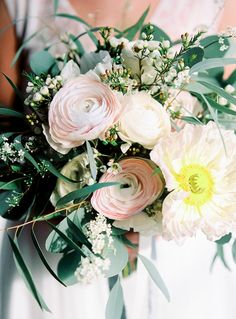 Simple and Ethereal Bridal Inspiration   Wedding Sparrow   Hanke Arkenbout Photography