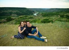 Red Deer Family Photographs, Dry Island Buffalo Jump Provincial Park, Alberta