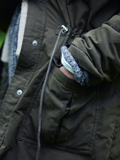 Everyday style and warmth. A close-up of our Quilted Parka in Khaki.