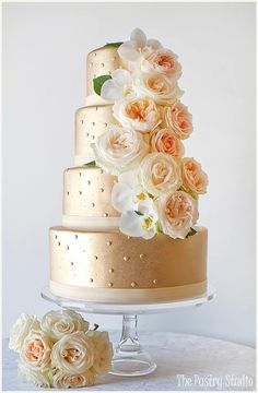 Outstanding Daily Wedding Cake Inspiration. To see more: http://www.modwedding.com/2014/07/07/daily-wedding-cake-inspiration-3/ #wedding #weddings #wedding_cake Featured Wedding Cake: The Pastry Studio