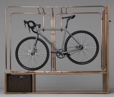 Stasis: un imponente mueble para guardar la bici en casa. #ciclosfera