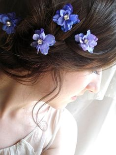 purple hair flowers (also available larger) I'm gonna put purple pink and baby blue flowers in my hair