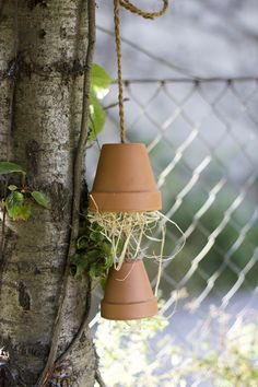 we love handmade | DIY: Ohrwurmtopf und Dosen-Hotel für Bienen | http://welovehandmade.at