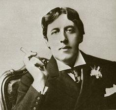 Citations de Oscar Wilde sur les idées, les erreurs, la vie, l'amour, l'amitié, le pessimisme, l'égoïsme, le succès, la beauté, le bonheur, le passé, etc.