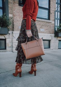 Need a skirt that will take you from day to evening, Fall to Spring? Look no further than this Anthropologie midi skirt. Plus, a big giveaway inside! #anthropologie #fallstyle #womensfashion || alilyloveaffair.com
