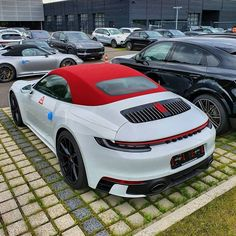 Factory Store for the World's Best Loved Brand of Custom Fitted Luggage for Roadsters and Convertibles Porsche 911 Cabriolet, Porche 911, Porsche Sports Car, Porsche Cars, Bugatti, Lamborghini, Top Luxury Cars, Vw Group, Vintage Porsche