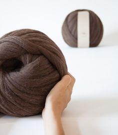Boule blanche de fil 100% laine mérinos