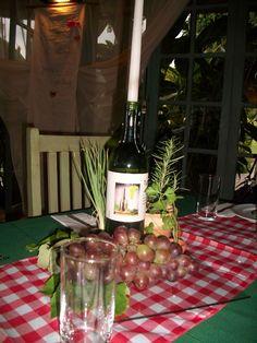 Arranjo de mesa para festa temática Italiana.    www.alicefestainfantil.com.br
