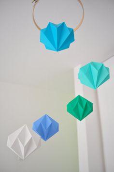 Paper Diamond Mobile/  Origami Mobile etsy.com/shop/dressingpaperdolls