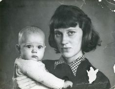 Ingrid Nyman as a young mother holding her son Peder, who eventually became an illustrator too.  Photo: Vejen Kunstmuseum