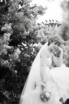 Gorgeous Bridal Portraits Captured by Gregory Byerline Photography! #w101nashville #gregorybyerlinephotography #nashvillebridalportraits
