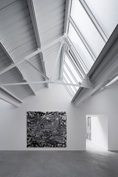 Matheson Whiteley revitalised a trio of dilapidated warehouses to create a new contemporary art gallery in London. Matheson Whiteley revitalised a trio of dilapidated warehouses to create a new contemporary art gallery in London. Contemporary Art Gallery, Contemporary Abstract Art, Conception D'entrepôts, Sawtooth Roof, Warehouse Design, Galleries In London, Space Architecture, Exhibition Space, Interior Inspiration
