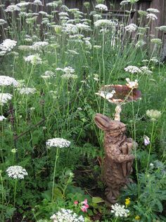 Bernideen's Tea Time Blog: FRIENDSHIP TEAPOT LIVES IN THE GARDEN