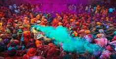 Holi is celebrated by throwing colored powder and colored water at each other.Holi in 2011 will start on of March.Amazing collection of Holi photography. Holi Festival India, Holi Festival Of Colours, Holi Colors, India Colors, Hindu Festivals, Indian Festivals, Spring Season In India, Winter Season, Festival Paint