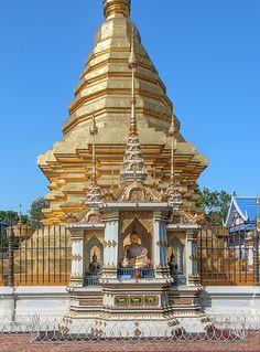 2013 Photograph, Wat Chomphu Phra That Chedi Buddha Shrine, Chang Moi, Mueang Chiang Mai, Chiang Mai, Thailand, © 2017. ภาพถ่าย ๒๕๕๖ วัดชมพู ที่บูชาพระพุทธรูป พระธาตุเจดีย์ ต.ช้างม่อย อ.เมืองเชียงใหม่ จ.เชียงใหม่ ประเทศไทย