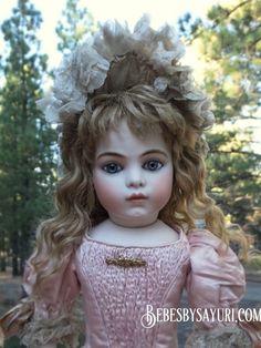 19 inch Bru Jne 11 with antique eyes Bebes by Sayuri Antique Dolls, Vintage Dolls, Doll Dress Patterns, Clothing Patterns, Bisque Doll, Flower Girl Dresses, Doll Dresses, French Antiques, Doll Clothes
