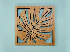Bring the Island feel to your home with this tropical leaf trivet. Great place for your serving dishes at your next dinner party. This cherry wood veneer finished trivet has precision laser cut…More Laser Cutter Ideas, Laser Cutter Projects, Laser Art, 3d Laser, Laser Cut Wood, Cnc Cutting Design, Laser Cutting, Metal Art, Wood Art