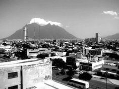 La silla y la ciudad desde la Cafetera Monterrey