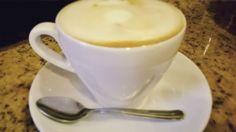 """""""A veces los sueños son sólo un síntoma de la falta de cafeína"""". Sueña vive y disfruta con la combinación ideal: """"...Tu y el mejor café"""".   #CoffeeLovers #CoffeeTime #CoffeeBreak #Coffee #ExperienciaAroma #MomentosAroma #SaboresAroma #AromaDiCaffé"""