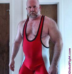 gay musclemen musclemen
