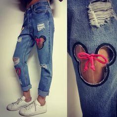 💖🎀😻 nuovi arrivi 😻🎀💖 non smettiamo mai di stupirvi 💁🏼🌟💫 Levis 501 custom Minnie hand made solo su www.dream-shop.it #dreamshop #levis #levis501 #fashion #vintage #jeans #denim #ootd #levisjeans #style #levismurah #jeanslevis #follow #outfit #likeforlike #levistrauss #customlevis #levishorts #jaggededgevintage #summer #studdedshorts #denimshorts #customshorts #shortshorts #mickeymouse #levisvintage #disney #leviscustomized #hippiestyle #minnie