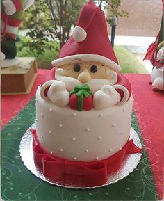 Christmas Themed Cake, Christmas Cake Designs, Christmas Cake Topper, Christmas Deserts, Christmas Cake Decorations, Christmas Cupcakes, Holiday Cakes, Christmas Treats, Christmas Baking