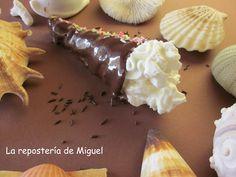 Cucuruchos de chocolate rellenos de nata.