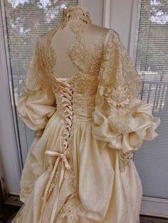 Beautiful Victorian Wedding Dress Theather Movie Performance Costume Embroidered Beaded Wedding Dress