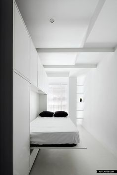 Murphy bed. Wall bed. The House of the Beams // CSLS Arquitectes | Afflante.com