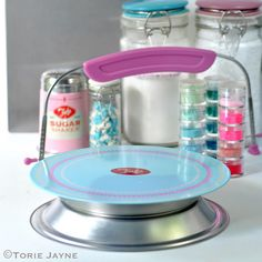 The Tala Originals Icing Turntable is based on the original Tala Icing Turntable but has been remodelled with a larger cake table and an attractive icing pattern design added. Baking Supplies, Cake Table, Turntable, Icing, Pattern Design, Cakes, The Originals, Kitchen, Record Player