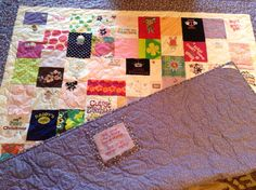 Baby's 1st year / memory quilt - I LOVE THIS!  Exactly what I plan on doing from Chloe's baby clothes :)