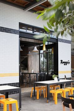 Cool design that brings the outdoors inside Rozzi's Italian Canteen Serves Up Tasty Delights Draped In Serene Ambiance