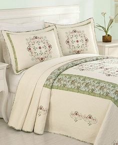 Chenille Bedspread, Quilted Bedspreads, King Quilt Bedding, California King Quilts, Bed Sheets Online, Queen Sheets, Luxury Bedding Sets, Bed Covers, Bed Spreads