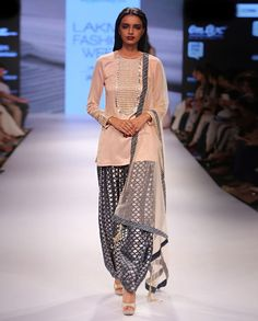PAYAL SINGHAL Sachi Kurta Set