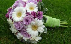 Flower Bouquet | Wallpaper 1920x1200 Roses Gerbera Flower Bouquet Grass Leaves Design ...