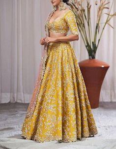 Heavy zardozi and sequence embroidery lehenga wedding lehenga designer lehenga Indian wedding lehenga Hindu wedding Indian Wedding Lehenga, Bridal Lehenga Choli, Indian Lehenga, Indian Gowns, Anarkali Lehenga, Sabyasachi, Indian Weddings, Indian Bridal Outfits, Pakistani Bridal Dresses