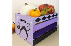 Spooky Cat Wooden Crate - Project by DecoArt Halloween Arts And Crafts, Halloween 2013, Halloween Projects, Halloween Party Decor, Halloween Town, Halloween Gifts, Holidays Halloween, Halloween Stuff, Halloween Ideas