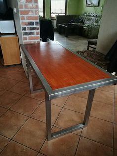 Stół kuchenny z profili nierdzewnych .