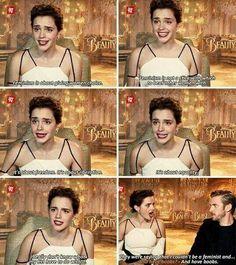 ❤NEWS❤ ┌Nuova intervista ad Emma che risponde alle accuse ricevute per via del suo seno 'quasi scoperto' (ma dove)nel photoshoot Vanity Fair.┐ Emma: ❝Il femminismo è dare alla donna una scelta. Il femminismo non è un bastone con cui colpire le altre donne. E' libertà. E' liberazione. E' uguaglianza. Non capisco le mie tette cosa hanno a che fare con tutto questo. Dicevano che non potevo essere una femminista e...❞ Dan: ❝Avere le tette?❞ Emma: ❝E avere le tette.❞ ▶ qui il video https://www.y