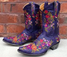 Rivertrail Mercantile - Old Gringo Jasmine Violet These are my favorite go-to boot! Cowboy Chic, Cowgirl Style, Western Style, Country Style, Cowboy Boots Women, Cowgirl Boots, Western Boots, Bohemian Shoes, Boho